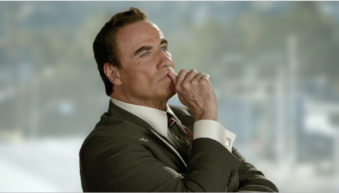 John Travolta como Robert Shapiro