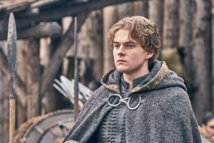 The Last Kingdom Series 3 Episode 5 Timothy Innes as Edward Edward prepares to ride for battle © Carnival Film & Television Limited 2018 Adrienn Szabo